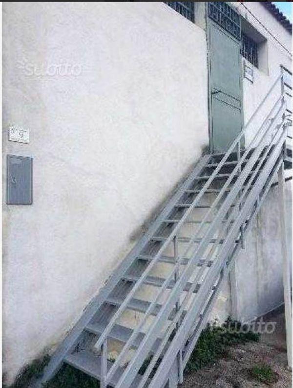 Negozio / Locale in affitto a Sant'Anastasia, 2 locali, prezzo € 700 | Cambio Casa.it