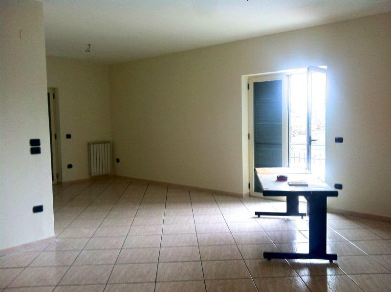 Ufficio / Studio in affitto a Sant'Anastasia, 4 locali, prezzo € 850 | CambioCasa.it
