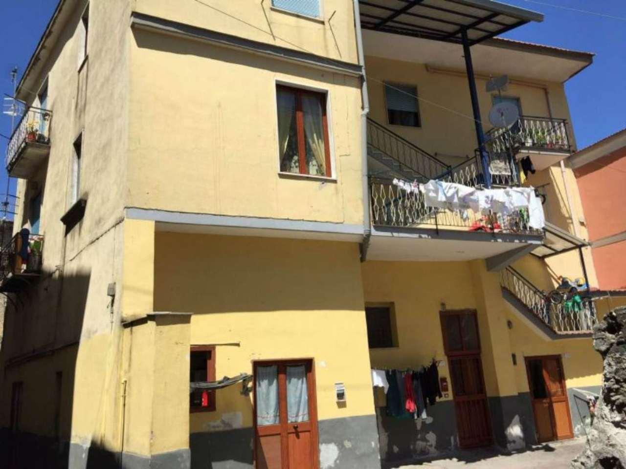 Palazzo / Stabile in Vendita a Sant'Anastasia