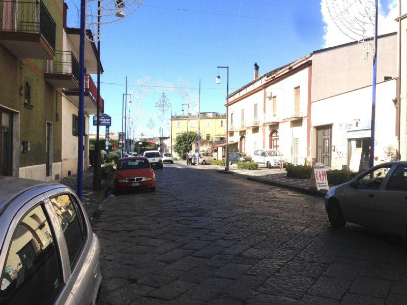 Negozio / Locale in affitto a Pollena Trocchia, 2 locali, prezzo € 500 | Cambio Casa.it