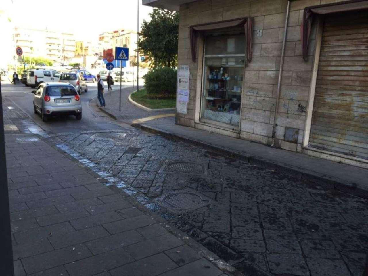 Negozio / Locale in affitto a San Giorgio a Cremano, 1 locali, prezzo € 1.000 | Cambio Casa.it