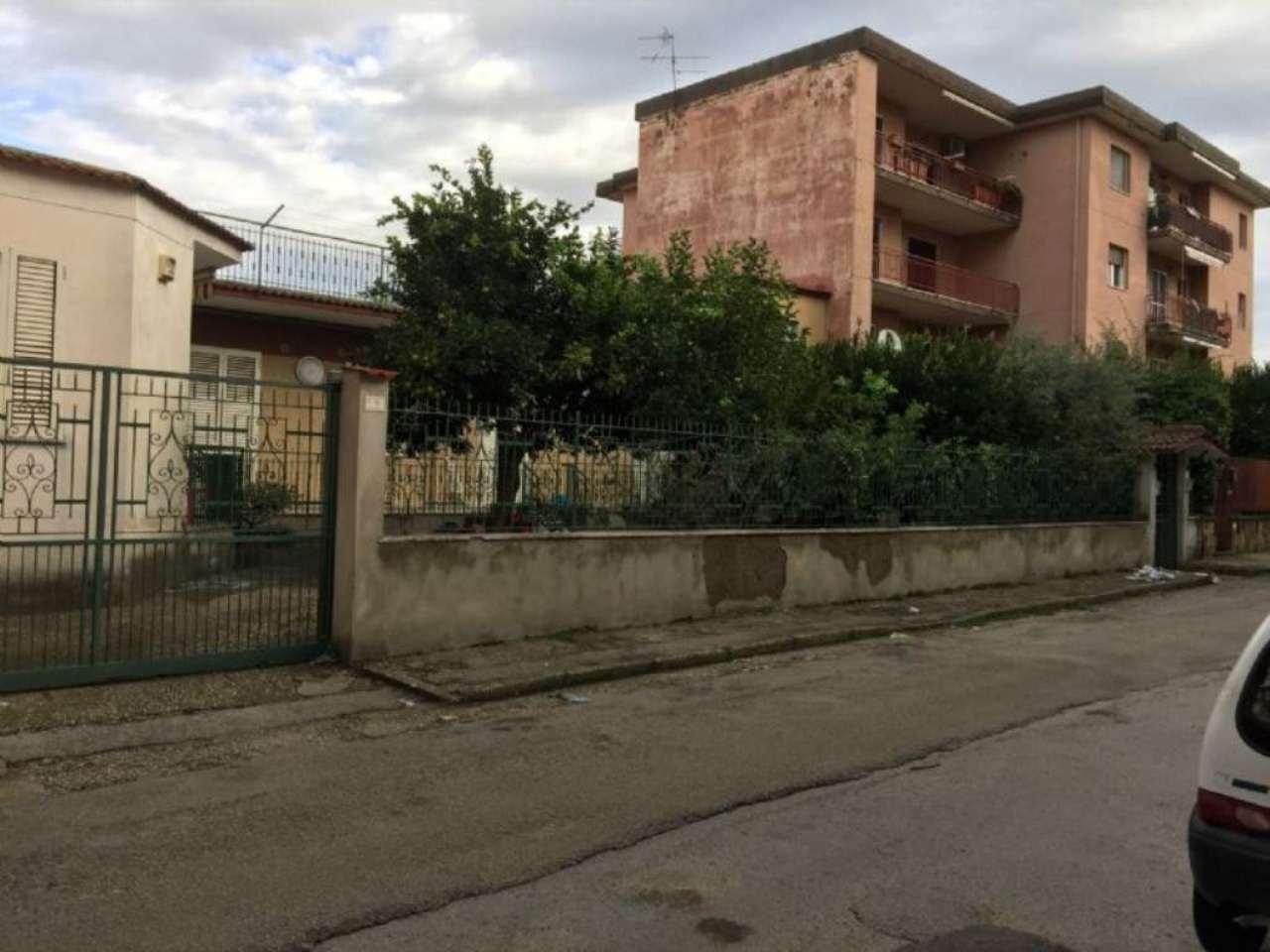 Soluzione Indipendente in vendita a Sant'Anastasia, 9999 locali, prezzo € 185.000   Cambio Casa.it