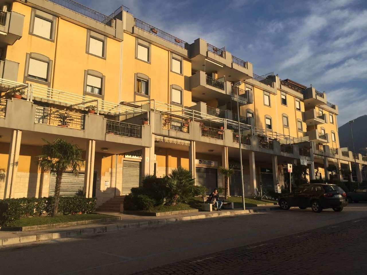 Negozio / Locale in Affitto a Sant'Anastasia