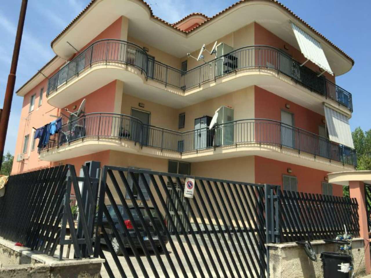 Appartamento in affitto a Sant'Anastasia, 3 locali, prezzo € 450 | CambioCasa.it