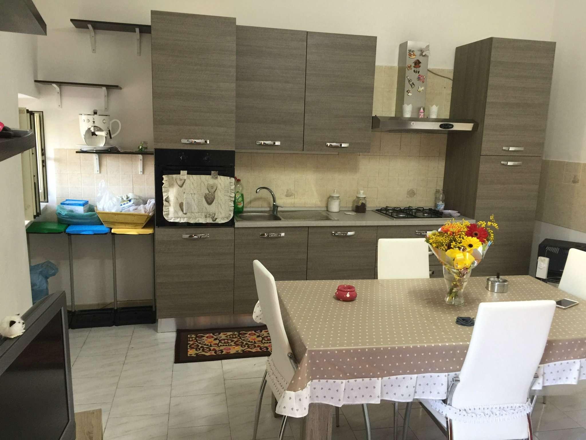 Appartamento in vendita a Sant'Anastasia, 4 locali, prezzo € 80.000 | Cambio Casa.it