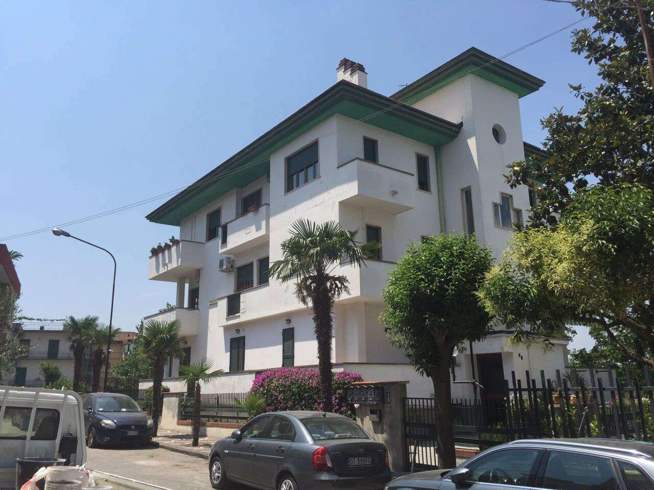Appartamento in vendita a Sant'Anastasia, 8 locali, prezzo € 400.000 | CambioCasa.it