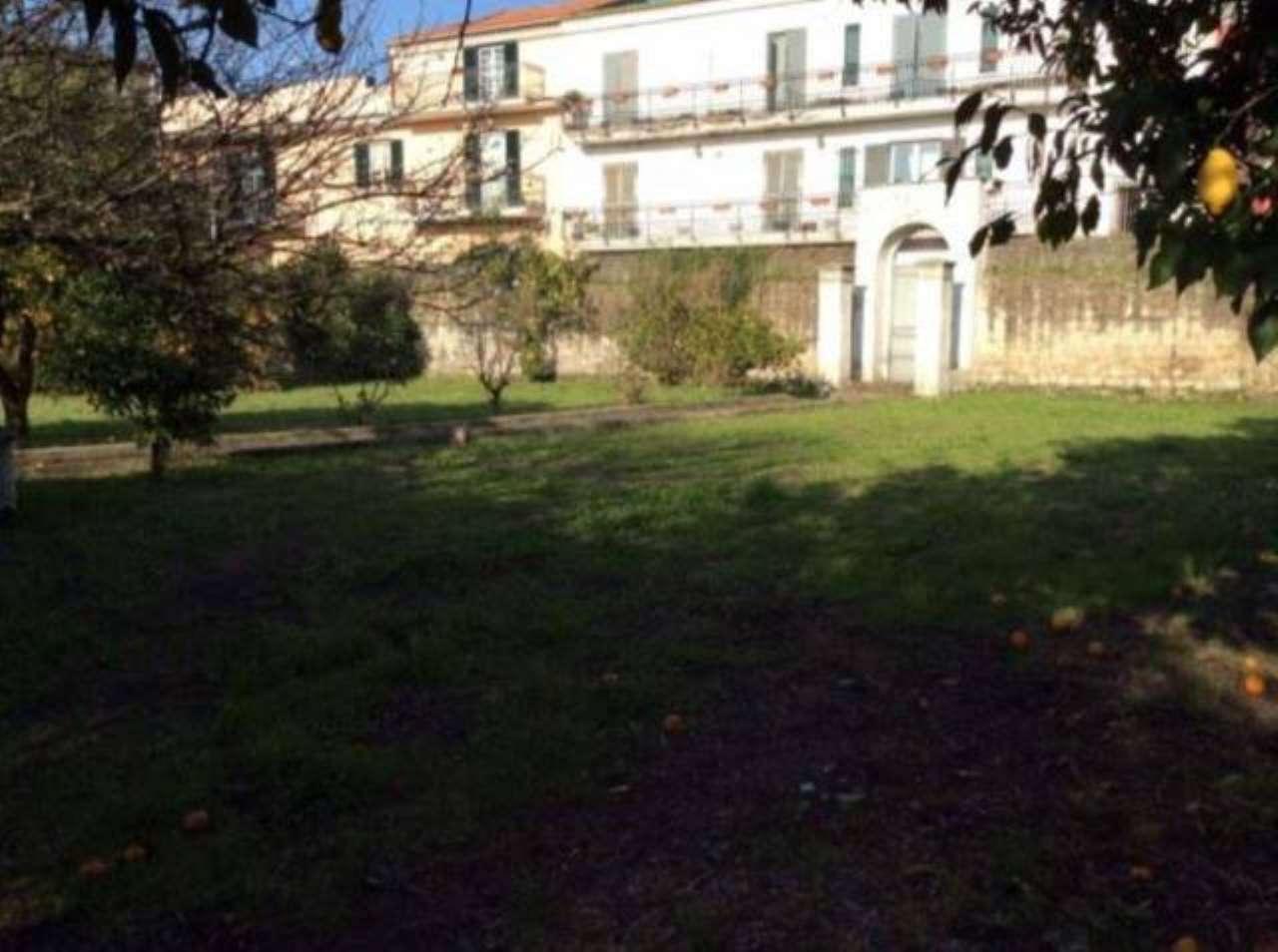 Villa in vendita a Pomigliano d'Arco, 3 locali, Trattative riservate | CambioCasa.it