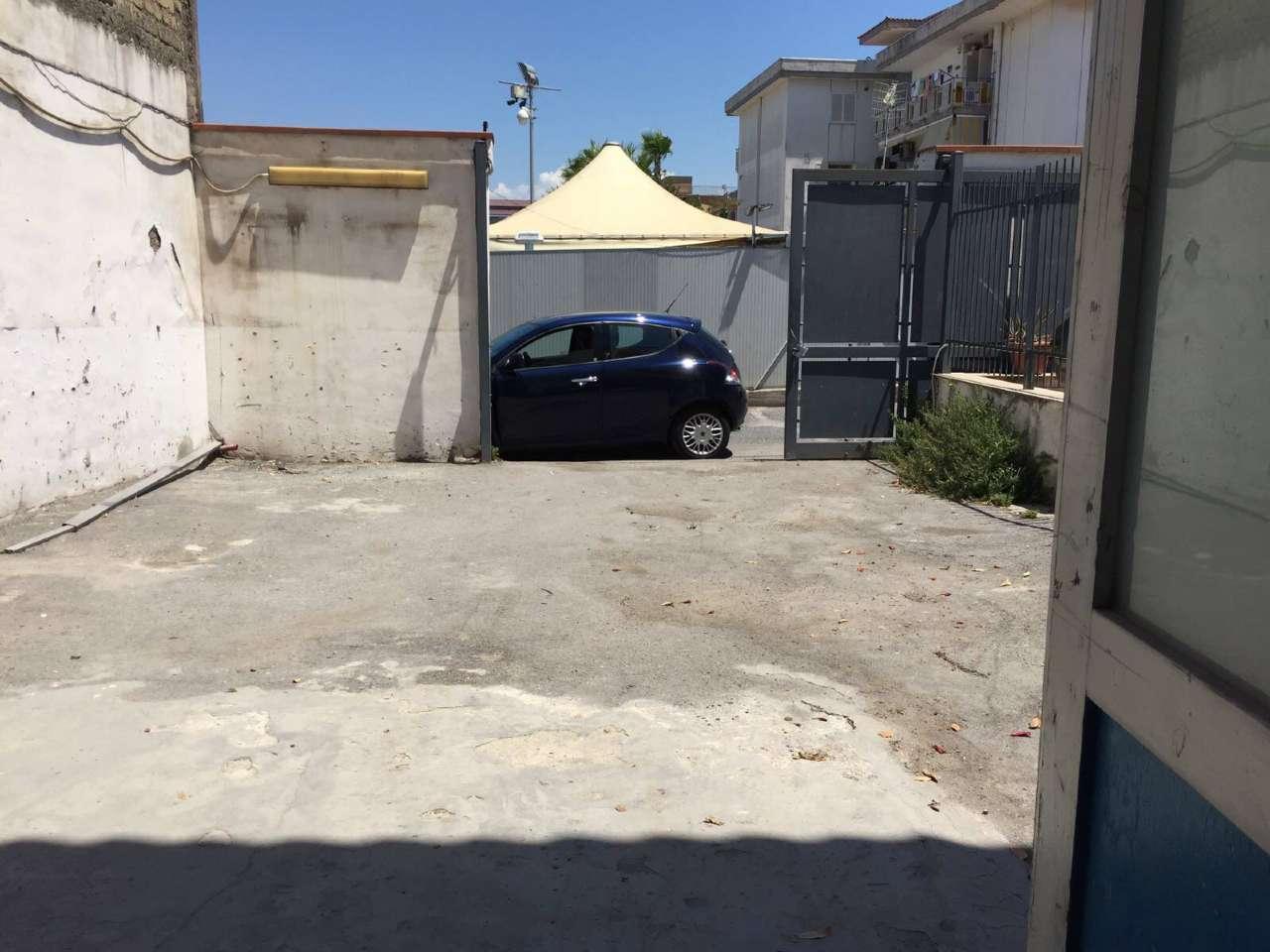 Capannone in affitto a Cercola, 2 locali, prezzo € 1.200 | CambioCasa.it