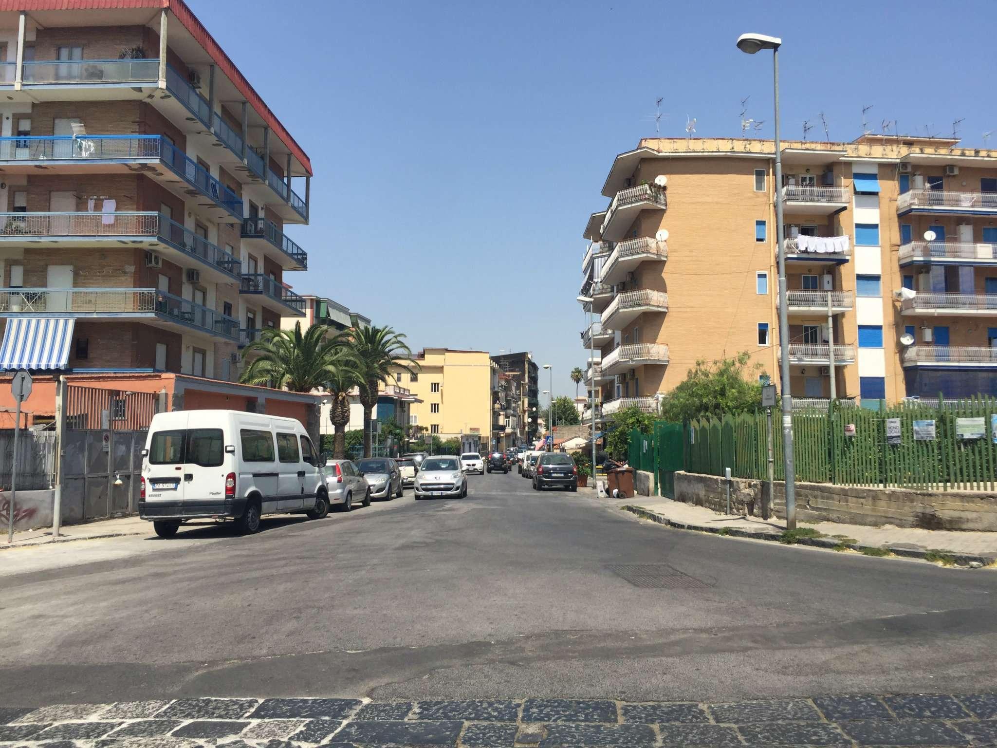Appartamento in affitto a San Giorgio a Cremano, 6 locali, prezzo € 600 | CambioCasa.it