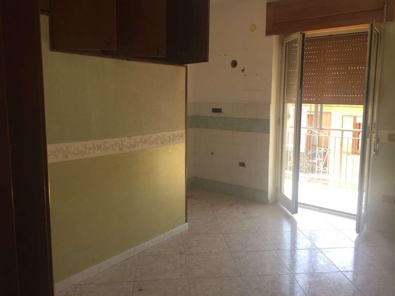Appartamento in affitto a Sant'Anastasia, 2 locali, prezzo € 300 | CambioCasa.it