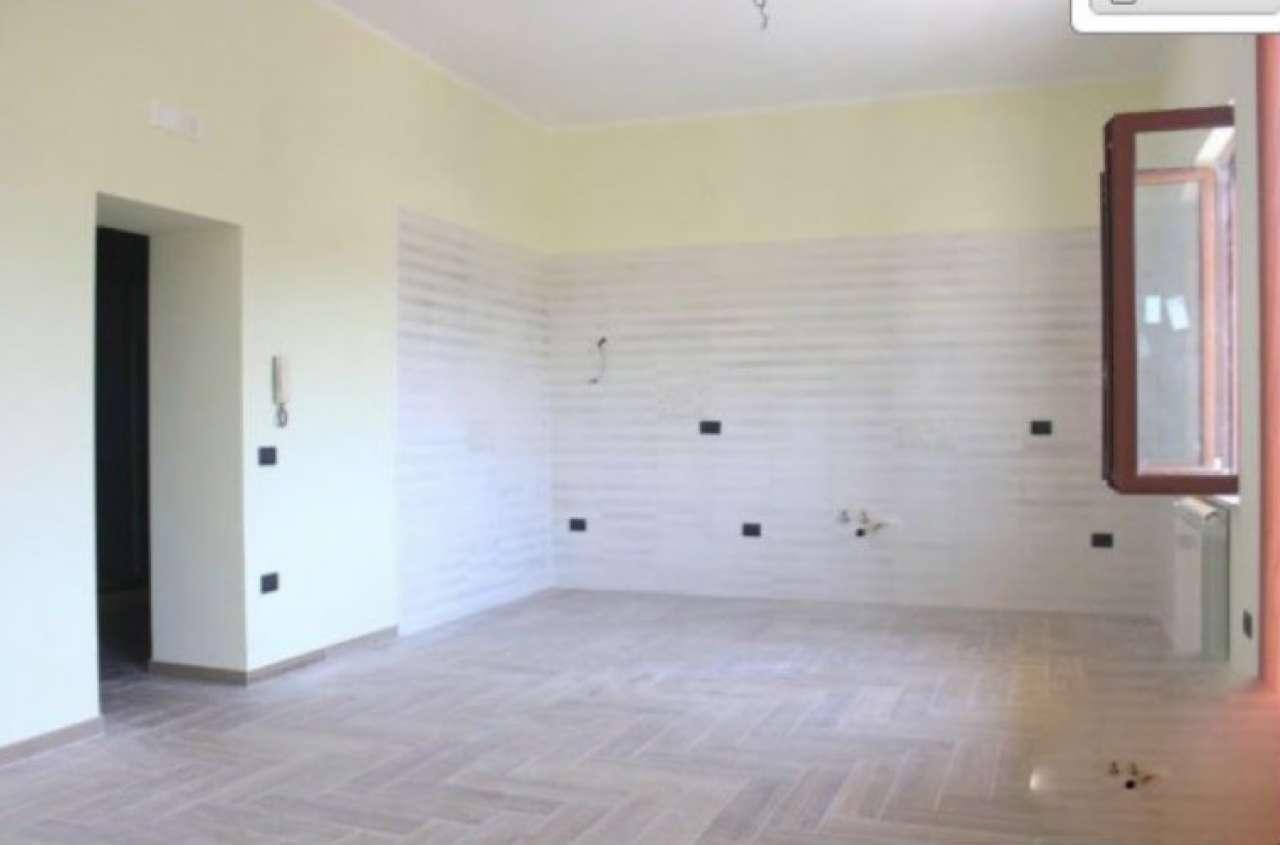 Appartamento in affitto a Pollena Trocchia, 3 locali, prezzo € 650 | CambioCasa.it