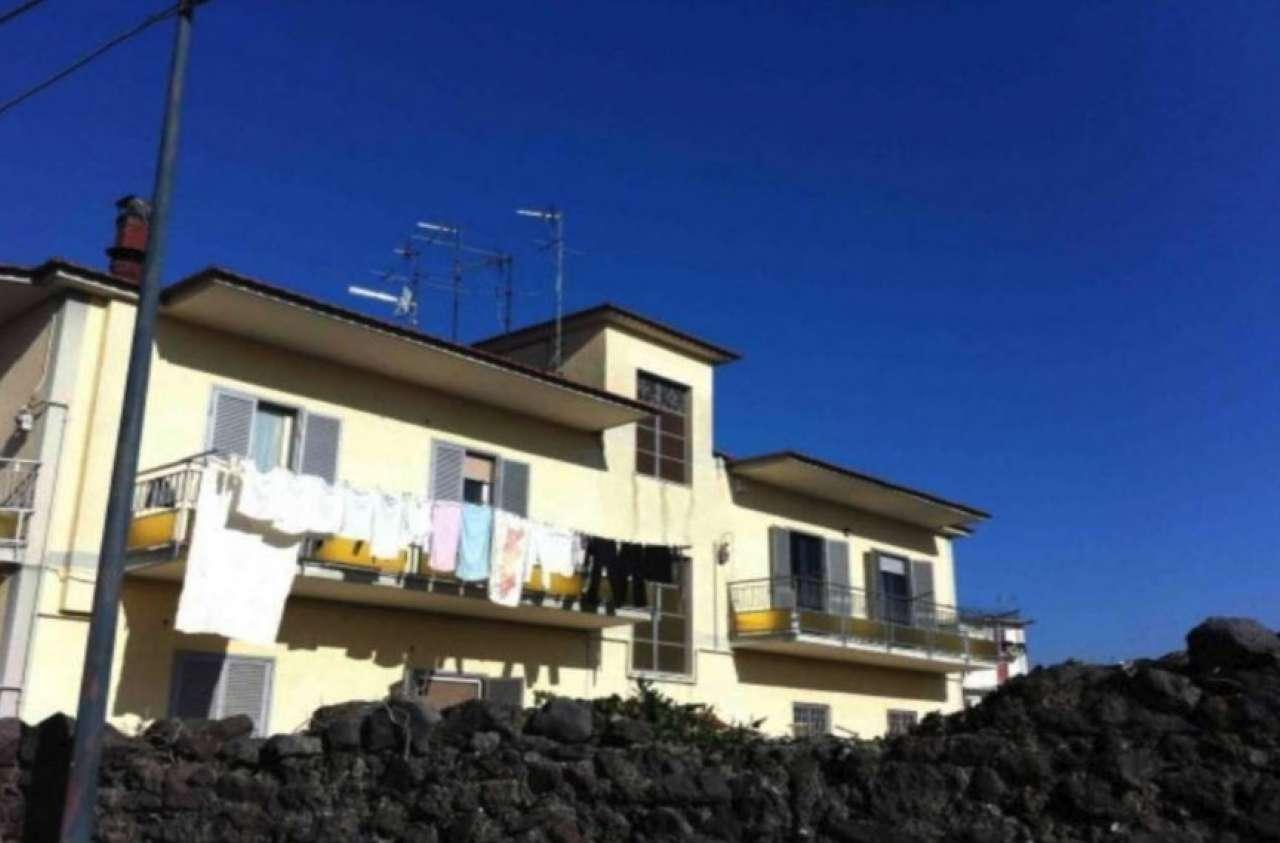 Appartamento in affitto a Pollena Trocchia, 3 locali, prezzo € 700 | CambioCasa.it