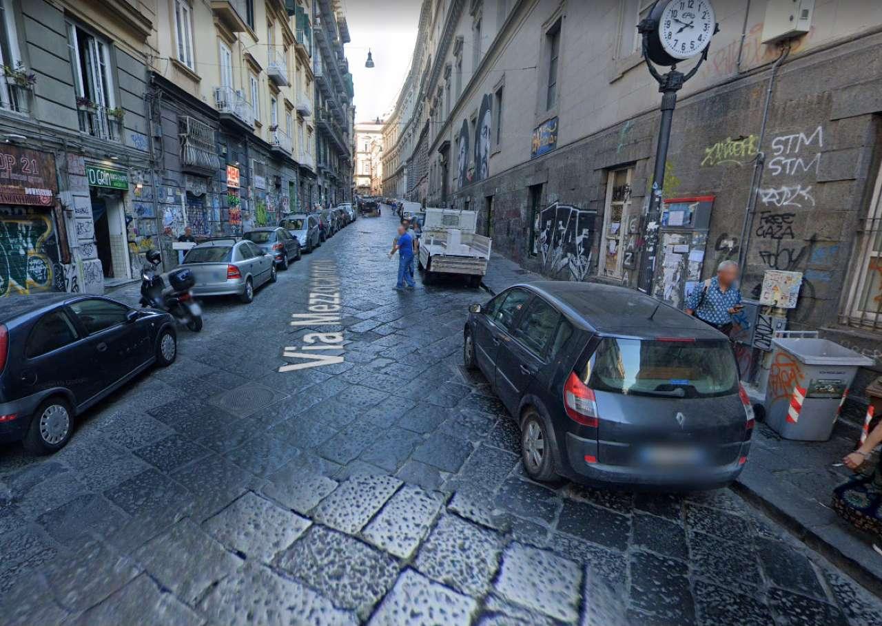 Napoli Affitto APPARTAMENTO Immagine 0