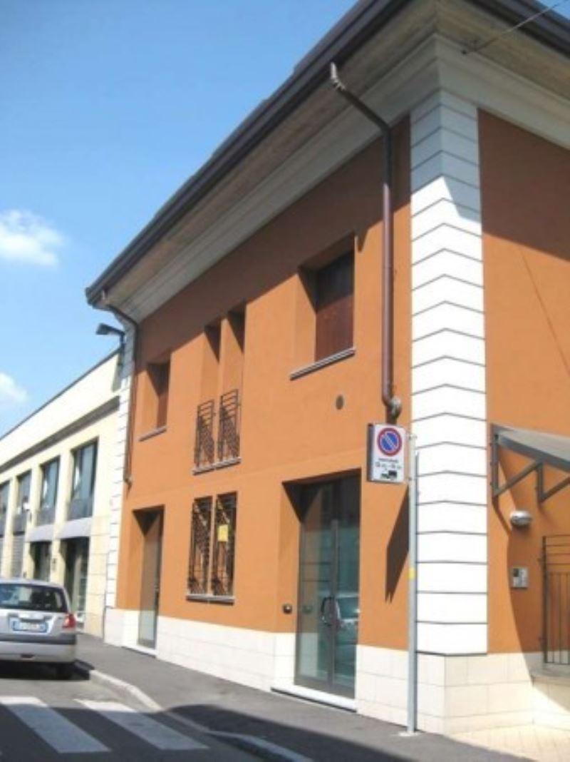 Negozio / Locale in affitto a Monza, 1 locali, zona Zona: 5 . San Carlo, San Giuseppe, San Rocco, prezzo € 200 | CambioCasa.it