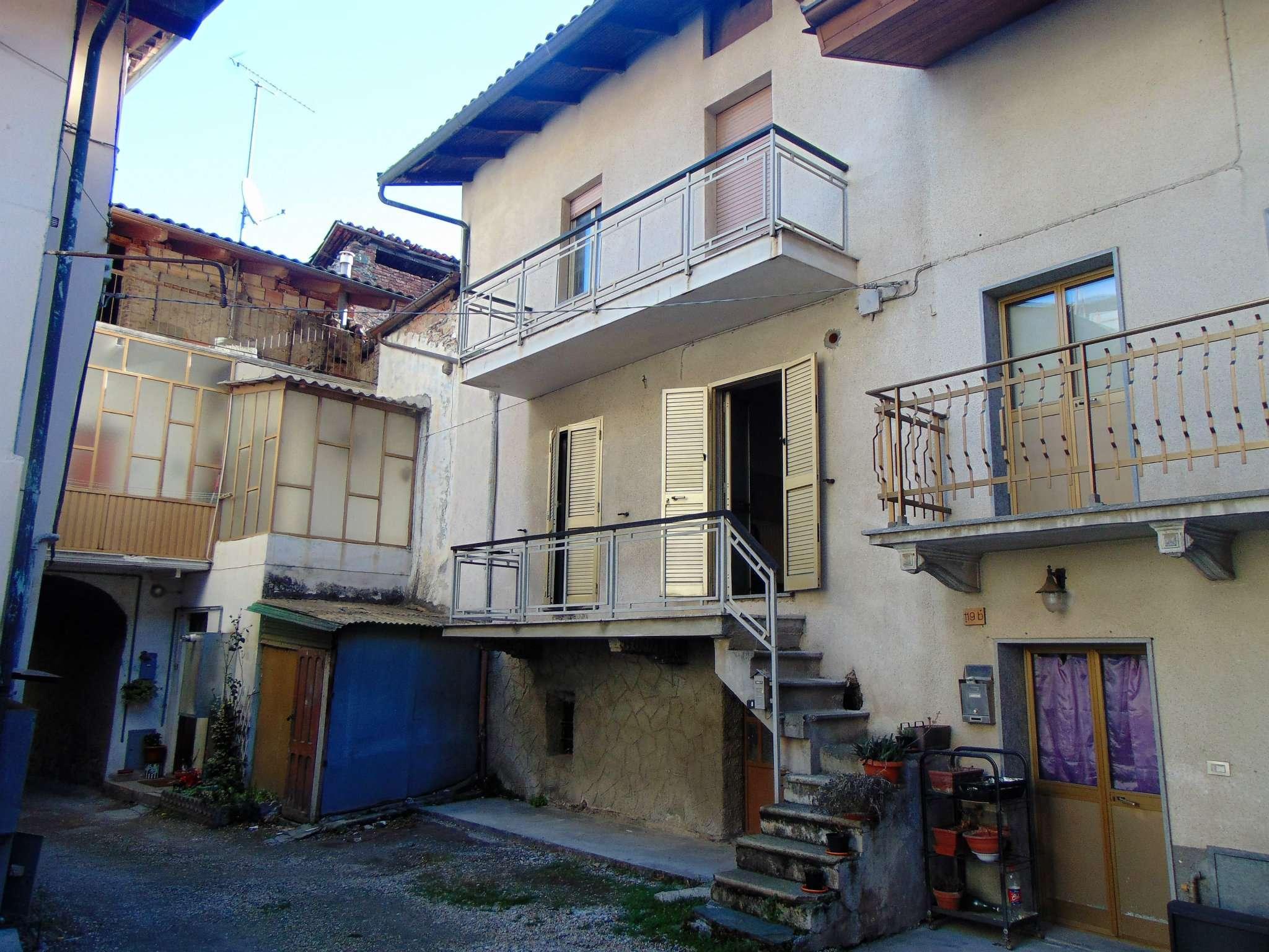 Foto 1 di Casa indipendente via UMBERTO I, Sant'ambrogio Di Torino