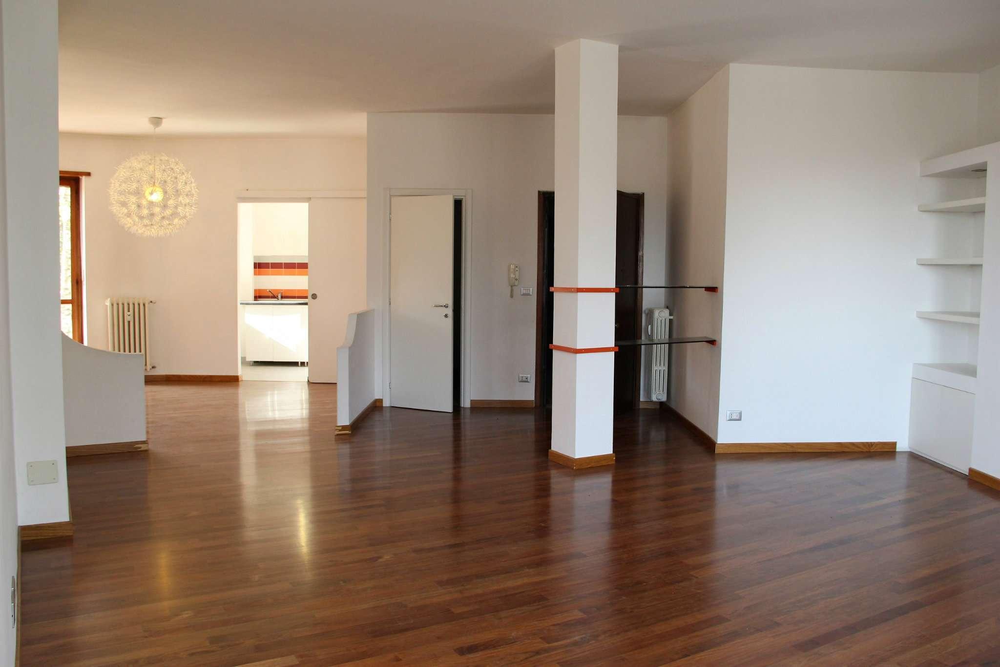 Foto 1 di Appartamento via stazione, Rosta