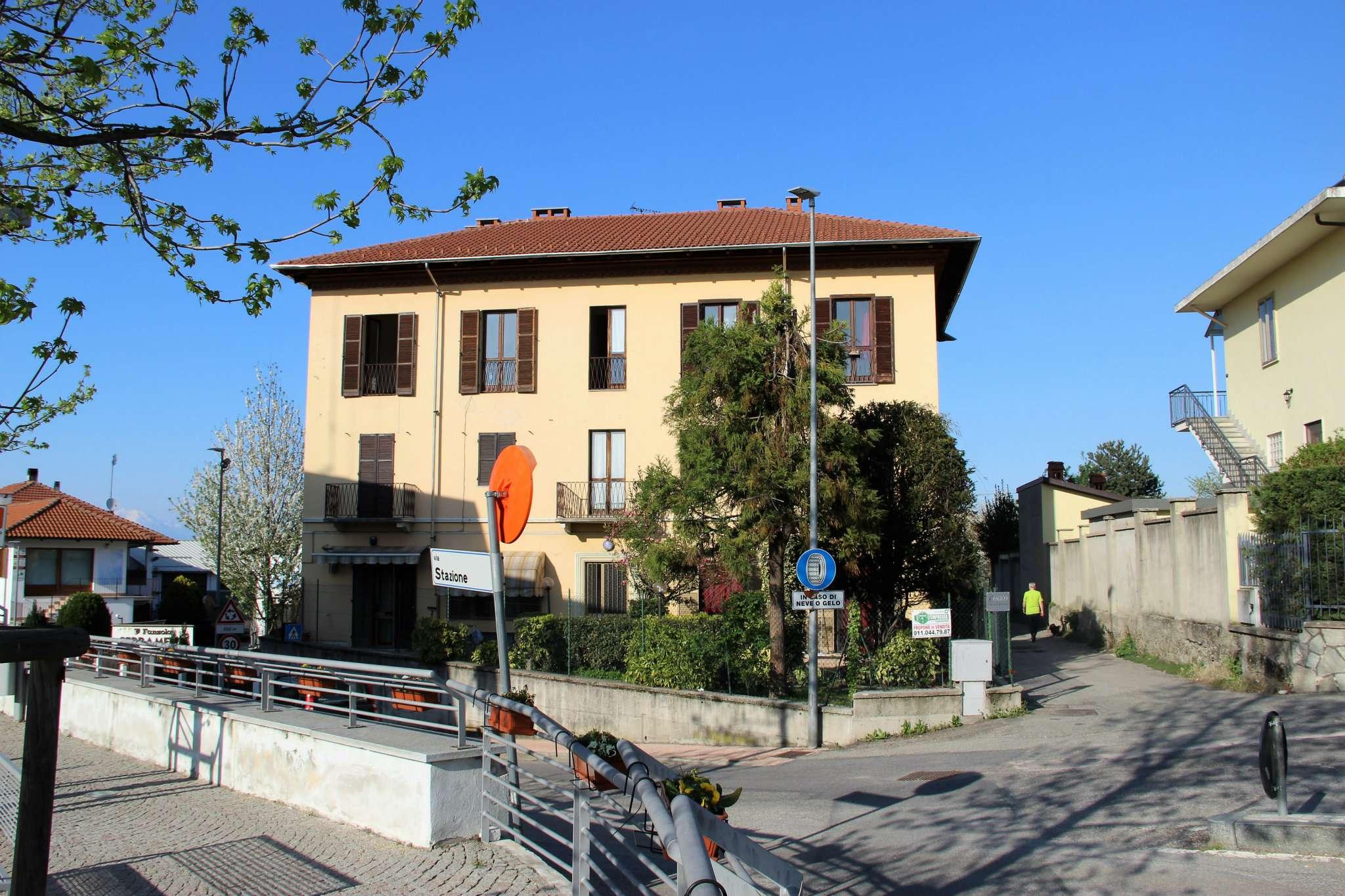 Foto 1 di Quadrilocale via STAZIONE, Rosta