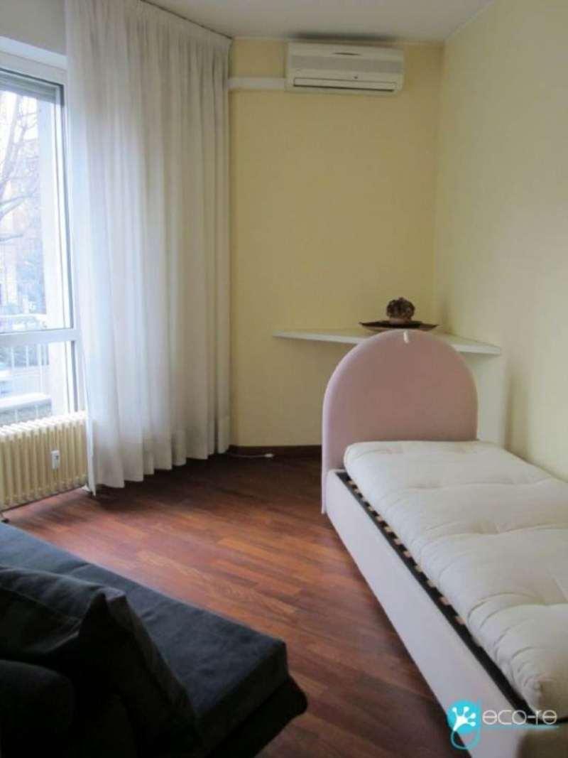 Bilocale Milano Viale Belisario 5