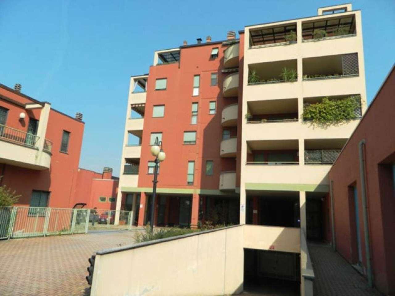 Bilocale Monza Via Foscolo 13