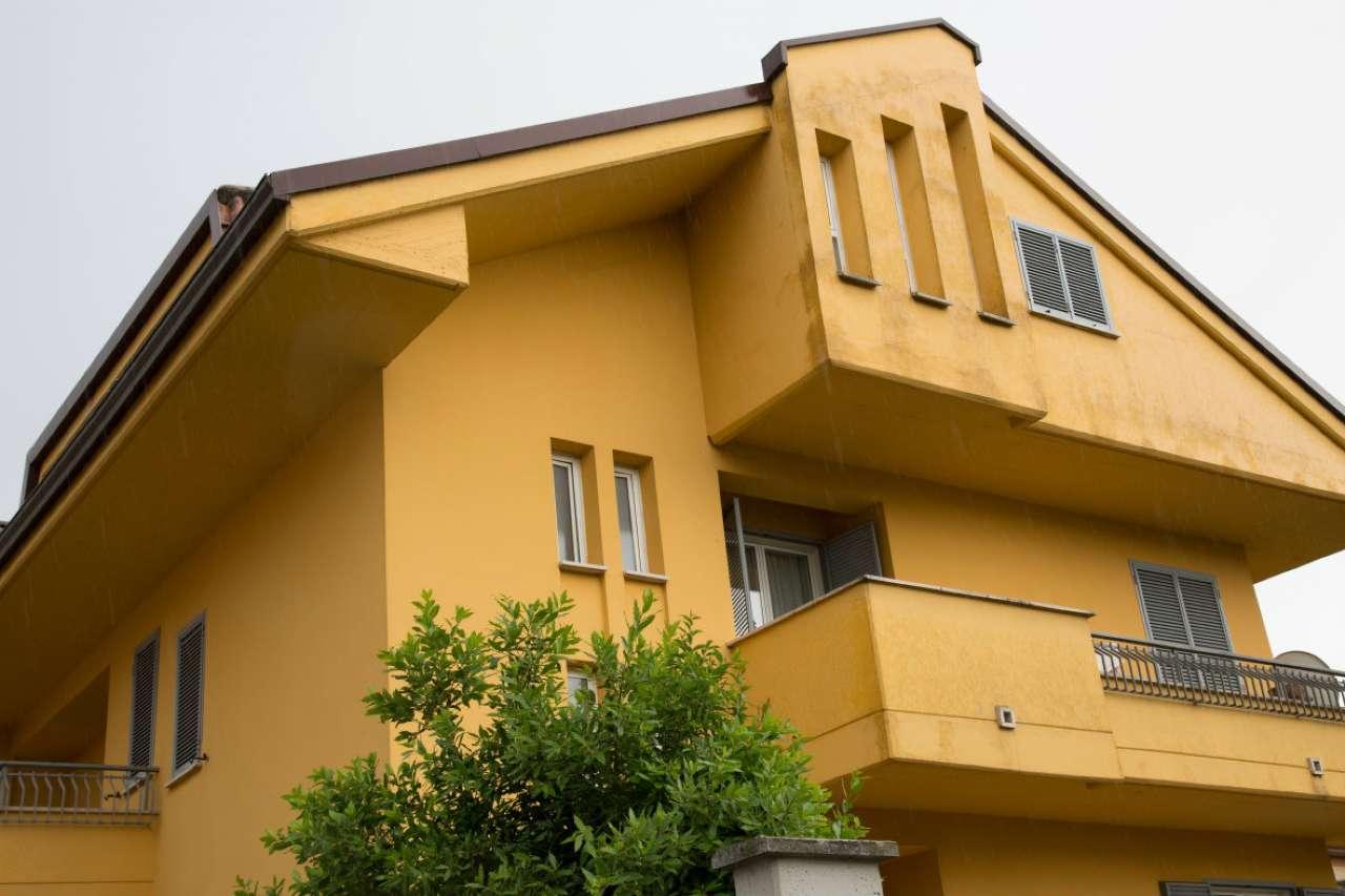 Villa bifamiliare in vendita a Frosinone (FR)