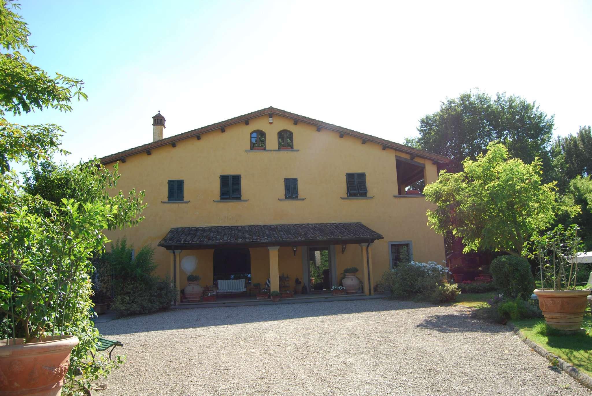 Villa in vendita a Santa Croce sull'Arno, 15 locali, prezzo € 1.500.000 | CambioCasa.it