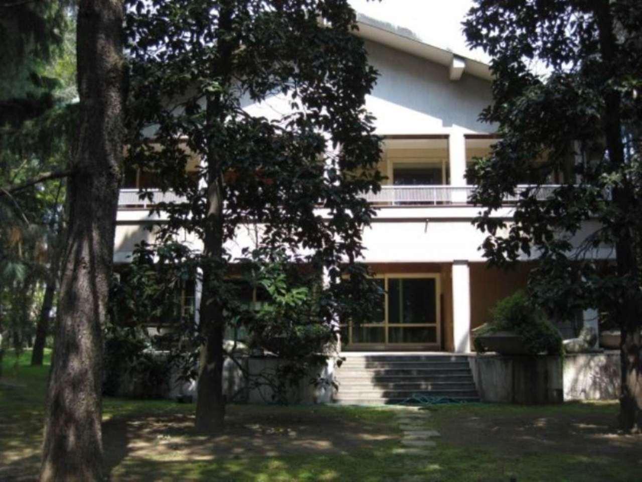 Villa in affitto a Milano, 6 locali, zona Zona: 14 . Lotto, Novara, San Siro, QT8 , Montestella, Rembrandt, prezzo € 10.000 | Cambio Casa.it