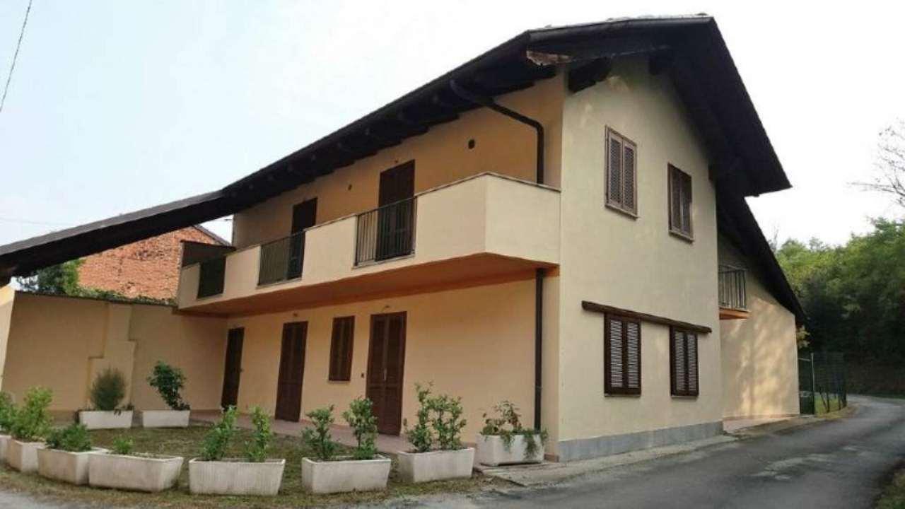 Villa Bifamiliare in vendita a Barbania, 7 locali, prezzo € 180.000 | Cambio Casa.it