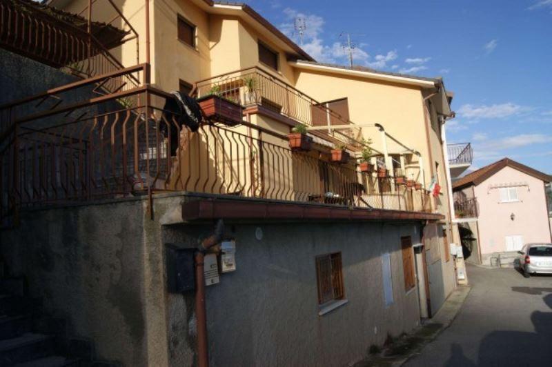 Bilocale Varazze Via Nuova Cantalupo 2