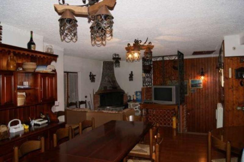 Appartamento in vendita a Varazze, 6 locali, prezzo € 225.000 | Cambio Casa.it