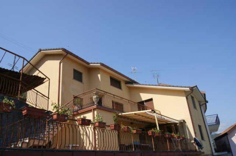 Attico / Mansarda in vendita a Varazze, 8 locali, prezzo € 365.000 | Cambio Casa.it