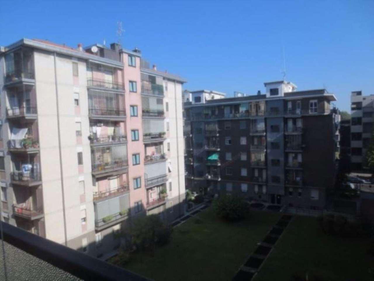 Bilocale Milano Via Carlo Marochetti 7