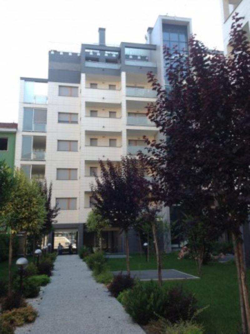 Bilocale Milano Via Gressoney 8