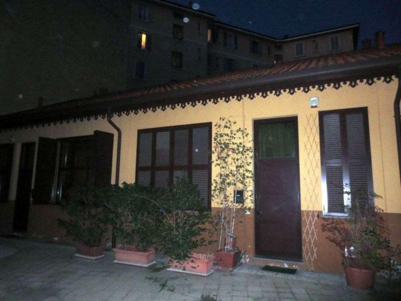 Bilocale Milano Via Arcivescovo Calabiana 3