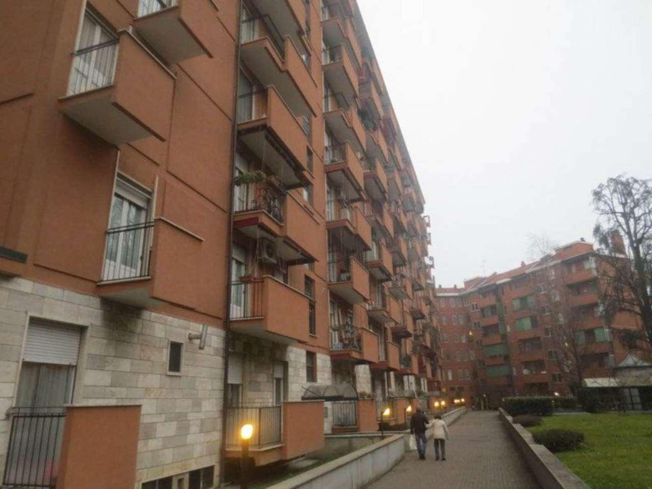 Bilocale Milano Viale Omero 1