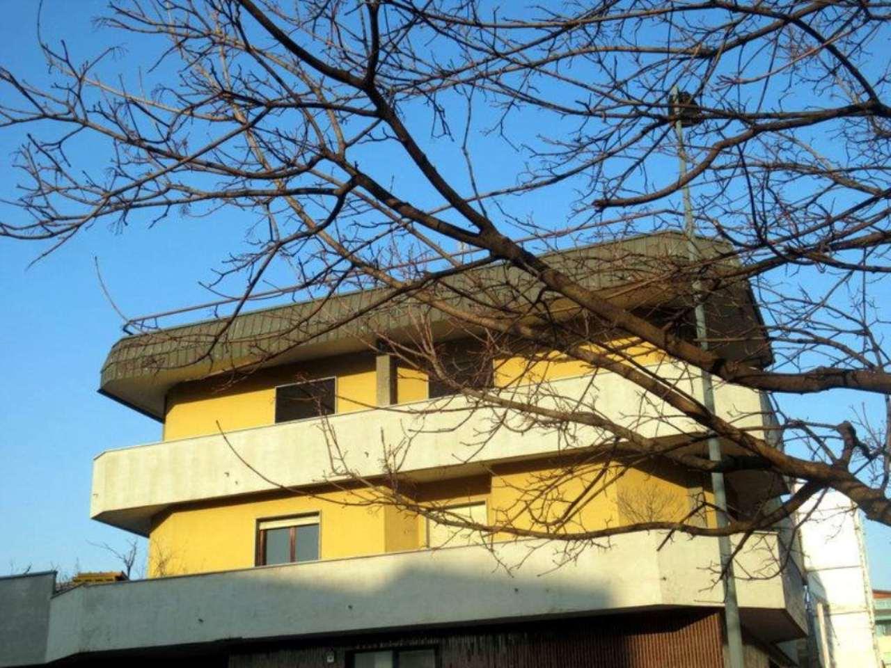 Bilocale Milano Via Verro 4