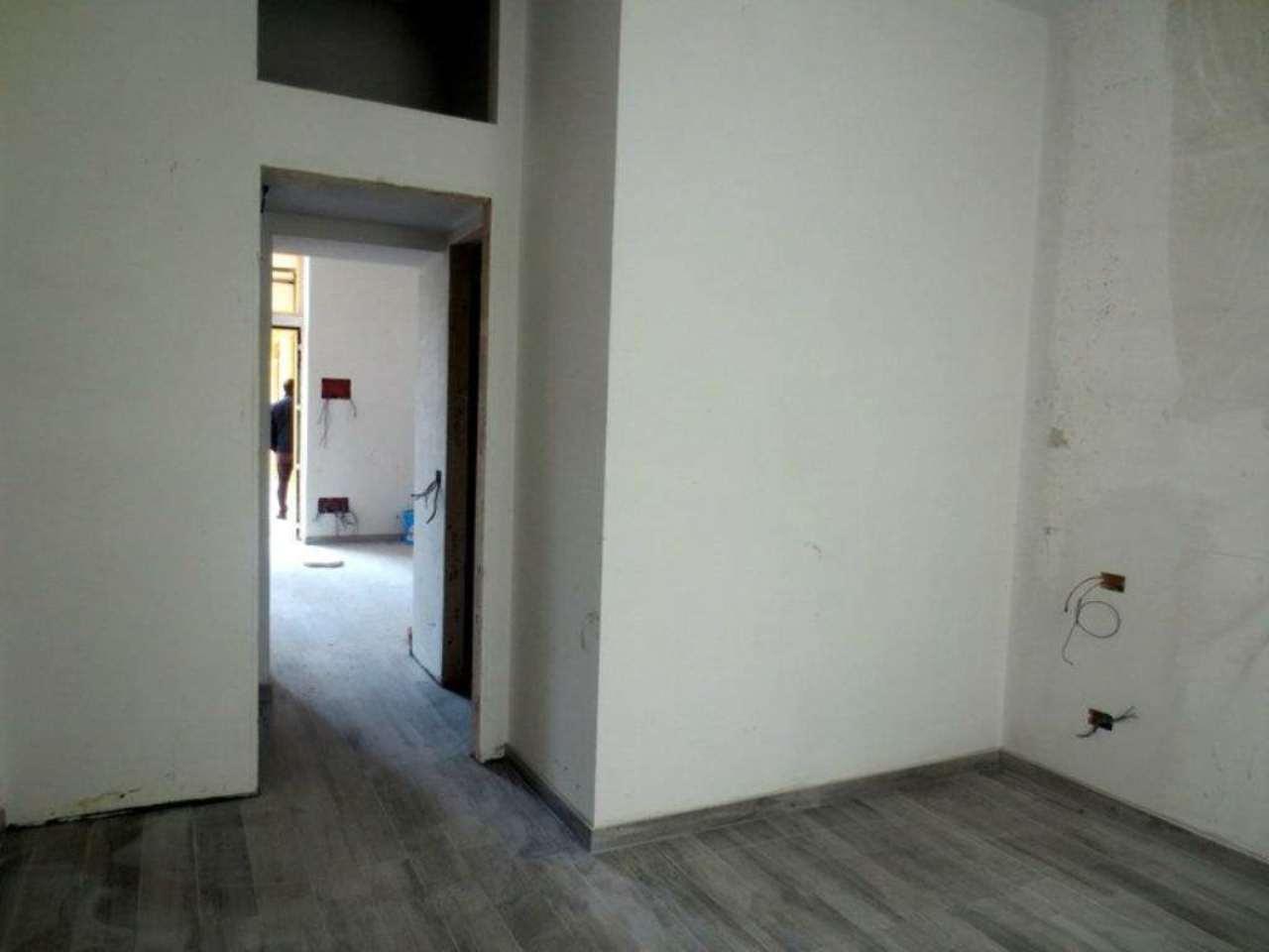 Bilocale Milano Via Freiköfel 12
