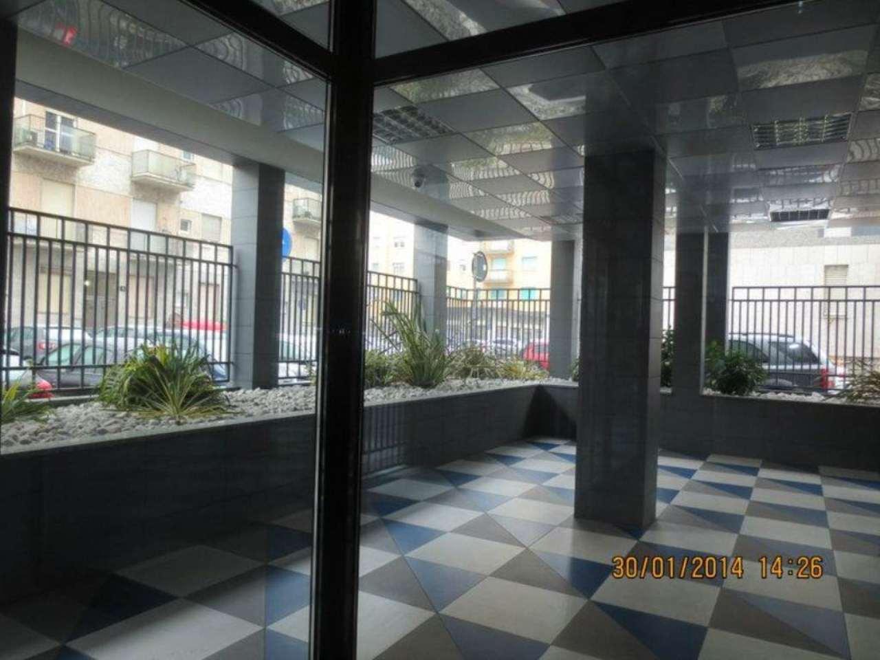 Vendita  bilocale Milano Via Gressoney 1 1081441