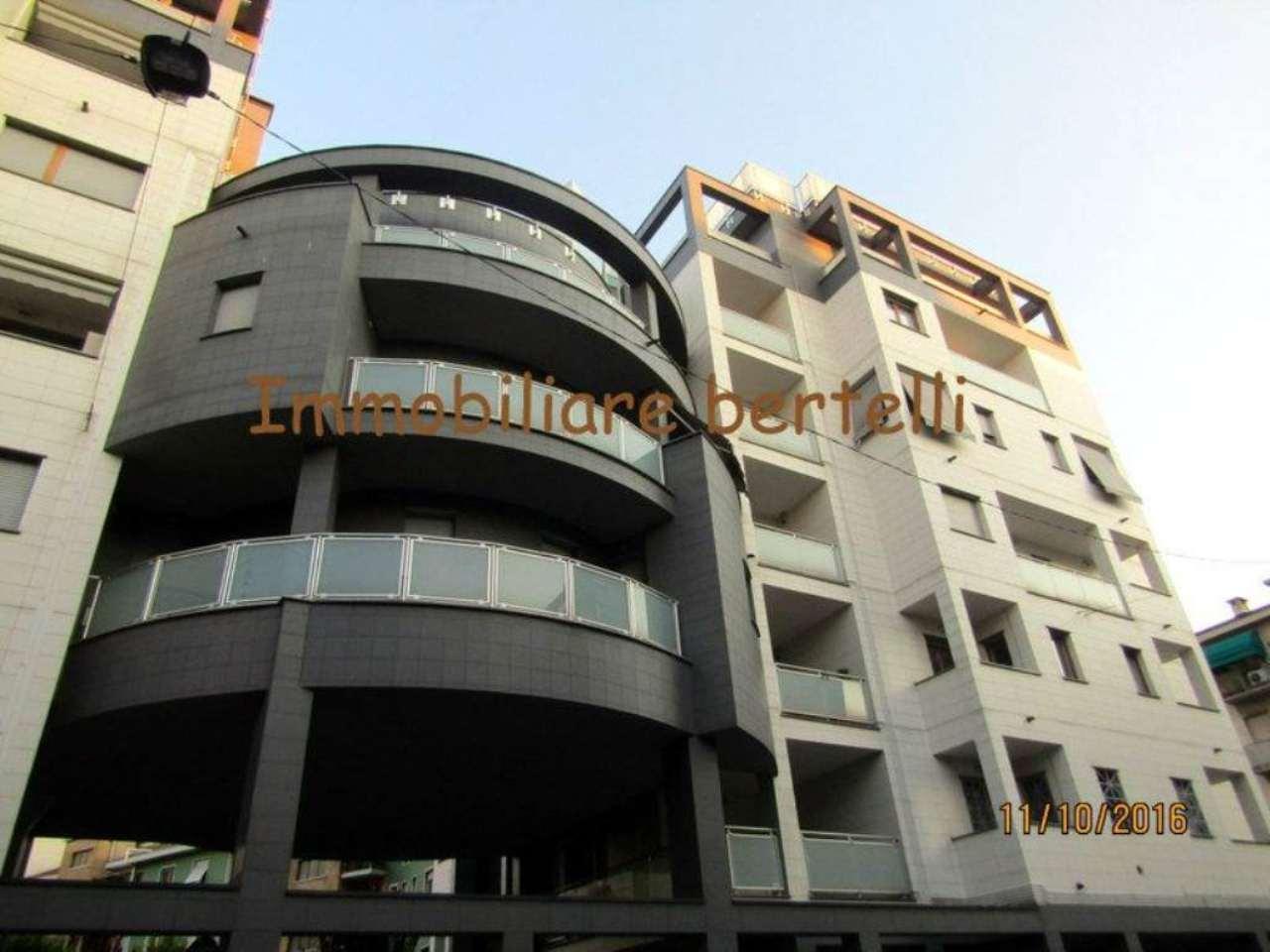 Bilocale Milano Via Gressoney 12
