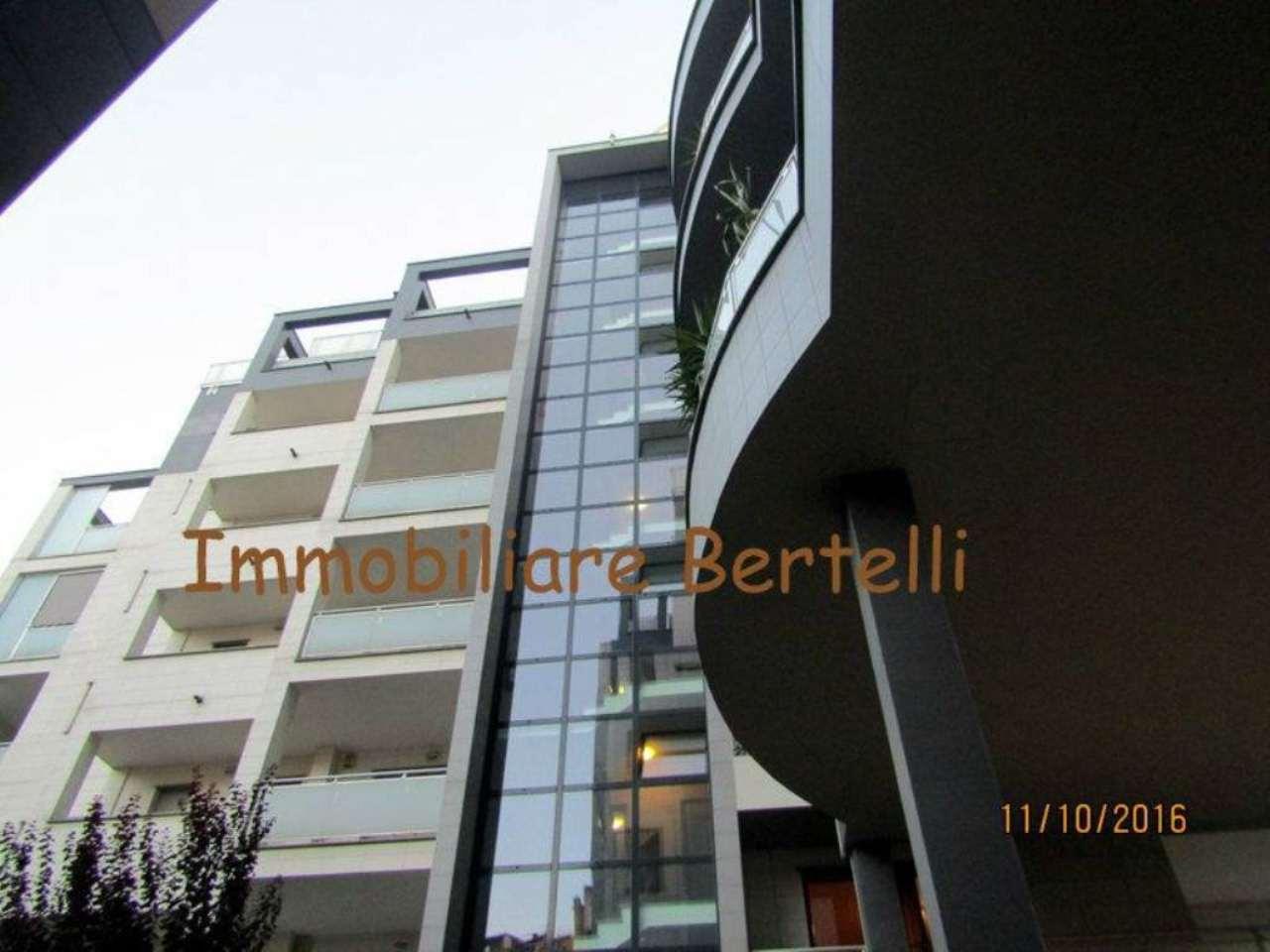 Bilocale Milano Via Gressoney 2