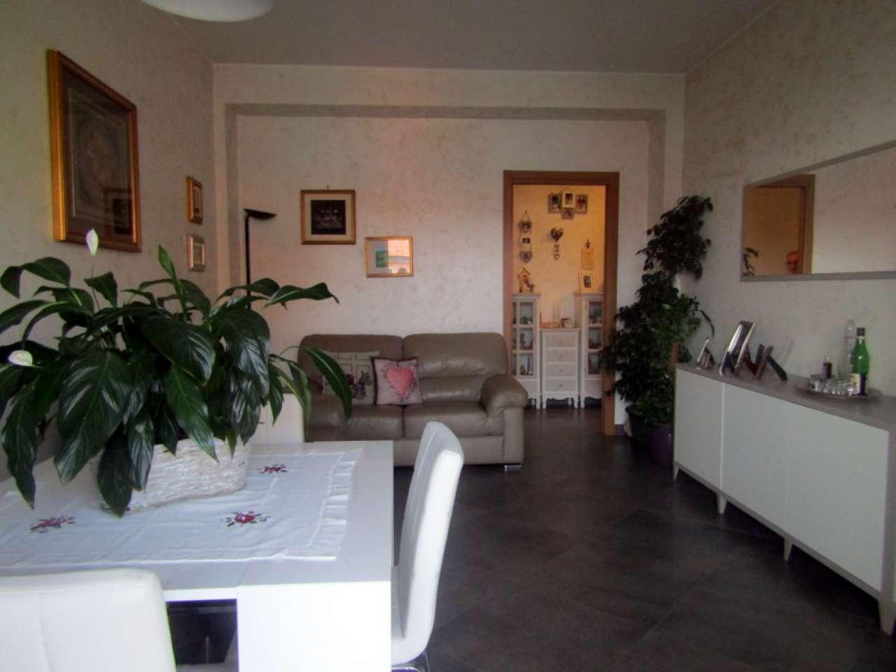 Appartamento in vendita 3 vani 98 mq.  via orbetello 3 Milano