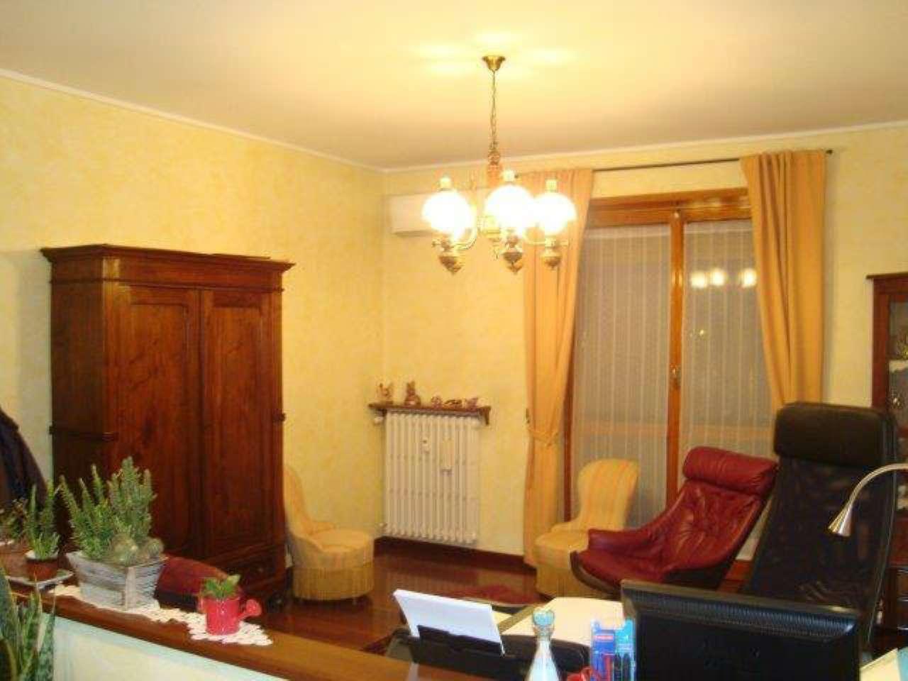 Appartamento in vendita a Caselle Torinese, 4 locali, prezzo € 135.000 | Cambio Casa.it