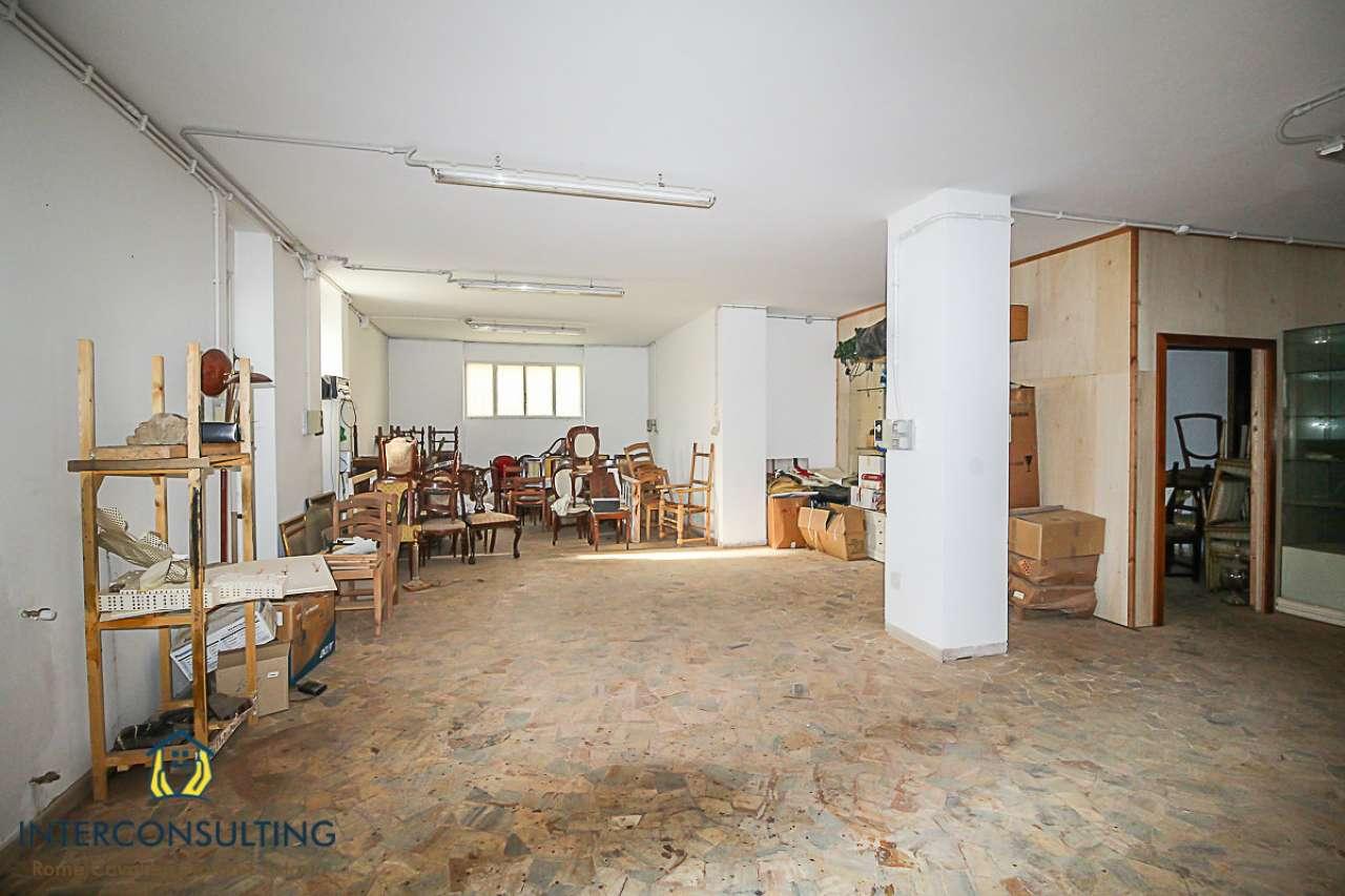 Magazzino in vendita a Roma, 1 locali, zona Zona: 32 - Fleming, Vignaclara, Monte Milvio, prezzo € 230.000   CambioCasa.it