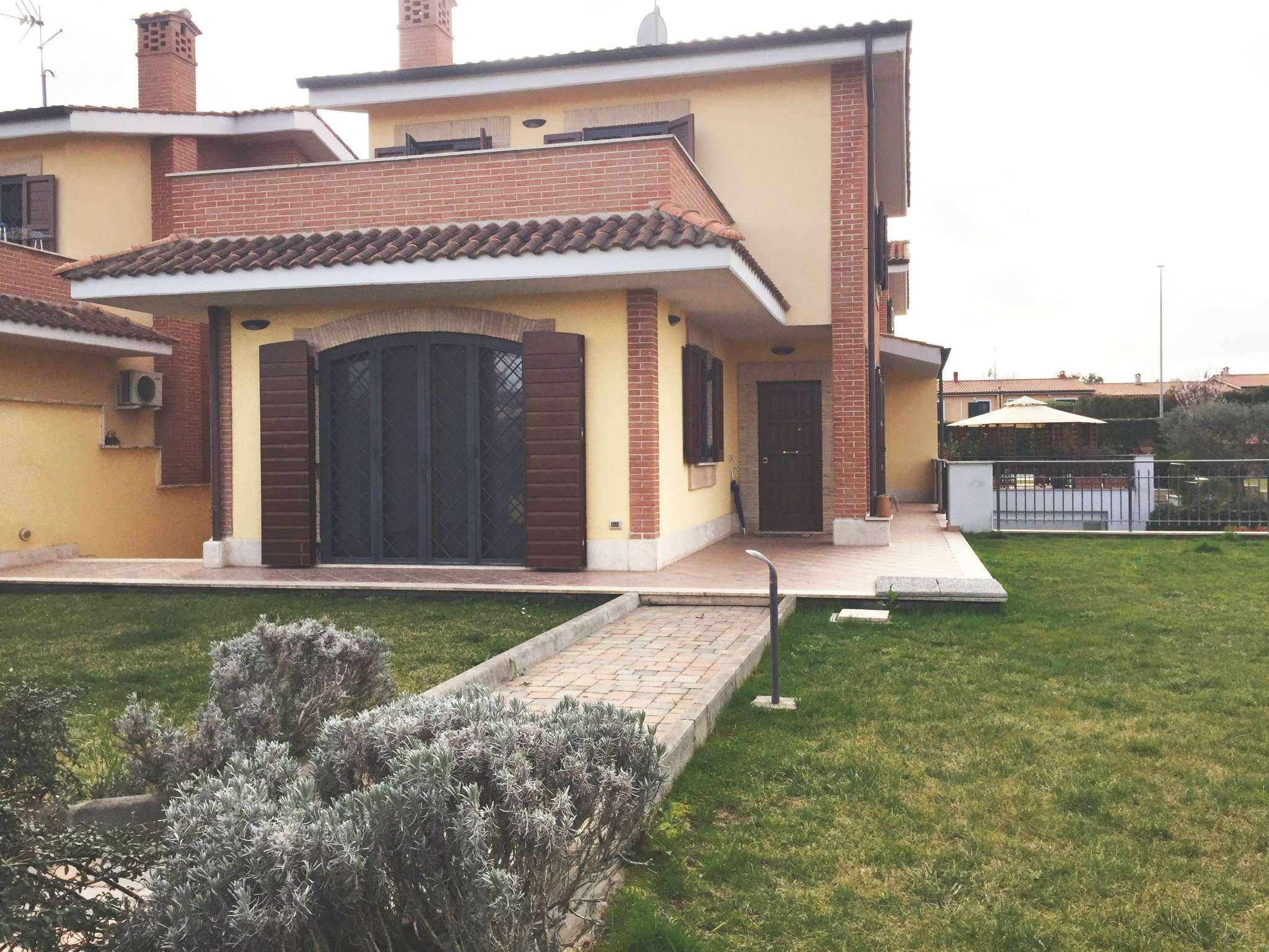 Villa in affitto a Roma, 4 locali, zona Zona: 22 . Eur - Torrino - Spinaceto, prezzo € 1.300 | Cambio Casa.it