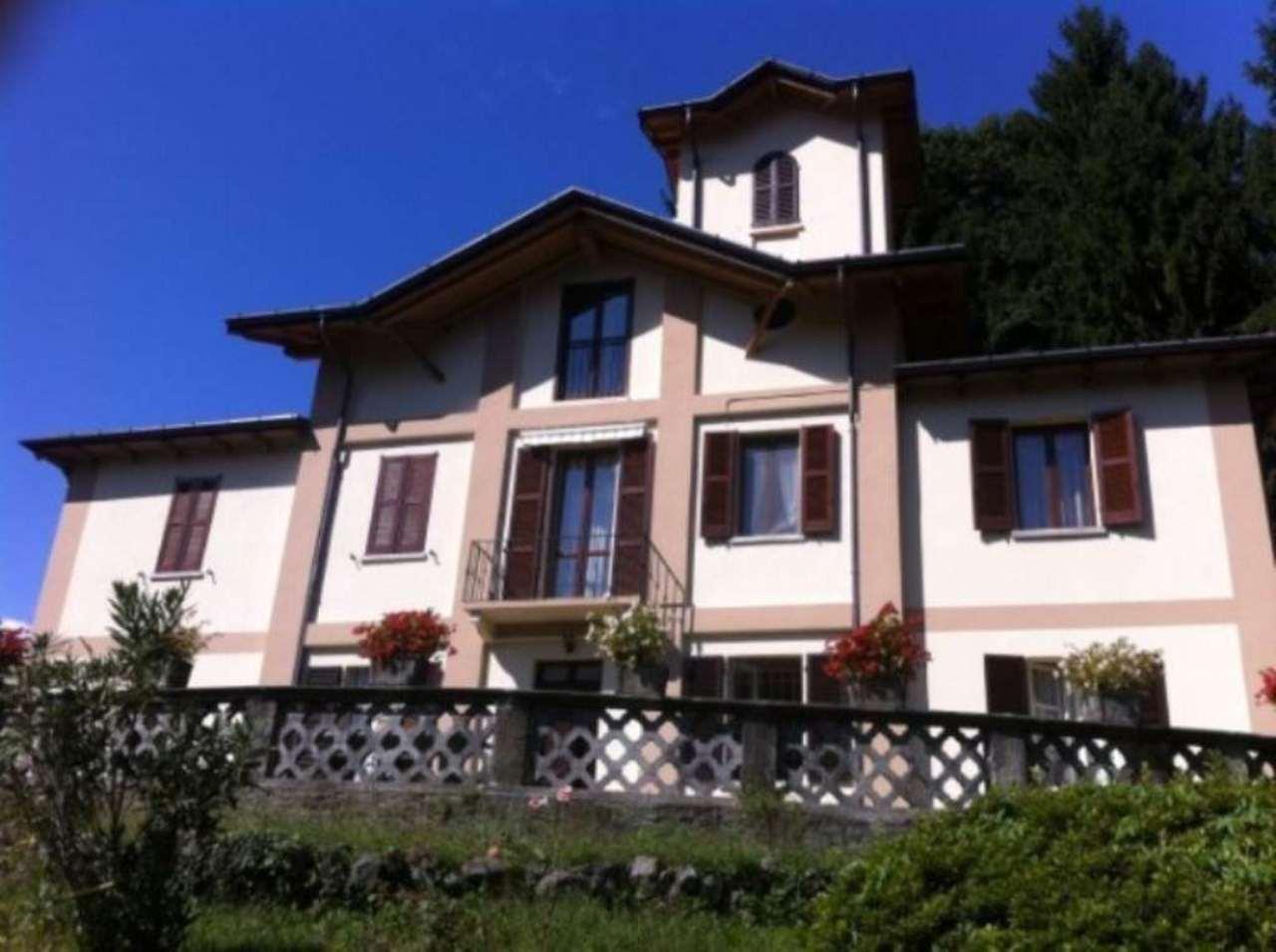 Appartamento in vendita a Dumenza, 4 locali, prezzo € 229.000 | Cambio Casa.it
