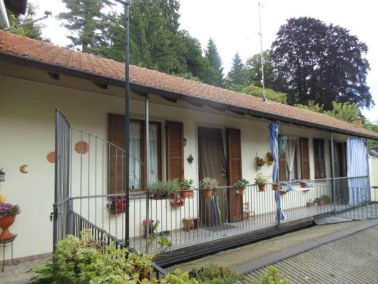 Appartamento in vendita a Luino, 3 locali, prezzo € 145.000 | CambioCasa.it