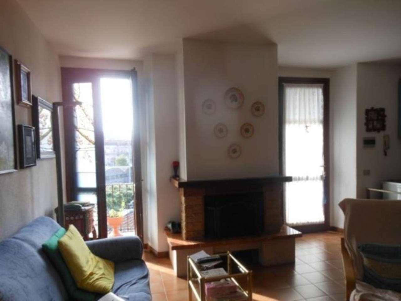 Appartamento in vendita a Luino, 2 locali, prezzo € 85.000 | CambioCasa.it