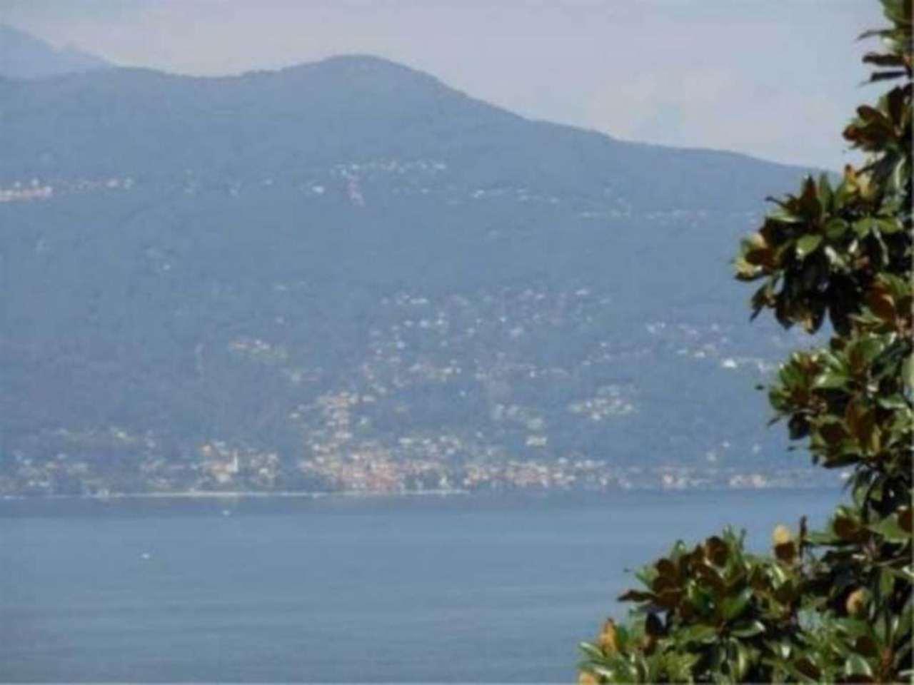 Villa in vendita a Porto Valtravaglia, 6 locali, Trattative riservate | Cambio Casa.it