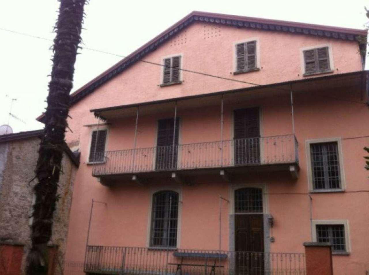 Soluzione Indipendente in vendita a Dumenza, 7 locali, prezzo € 140.000 | Cambio Casa.it