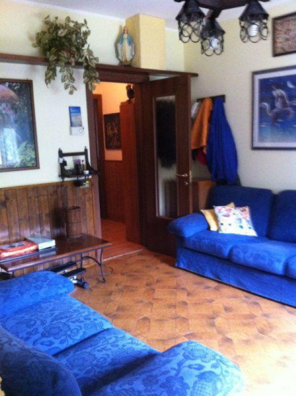 Appartamento in vendita a Agra, 3 locali, prezzo € 110.000 | Cambio Casa.it