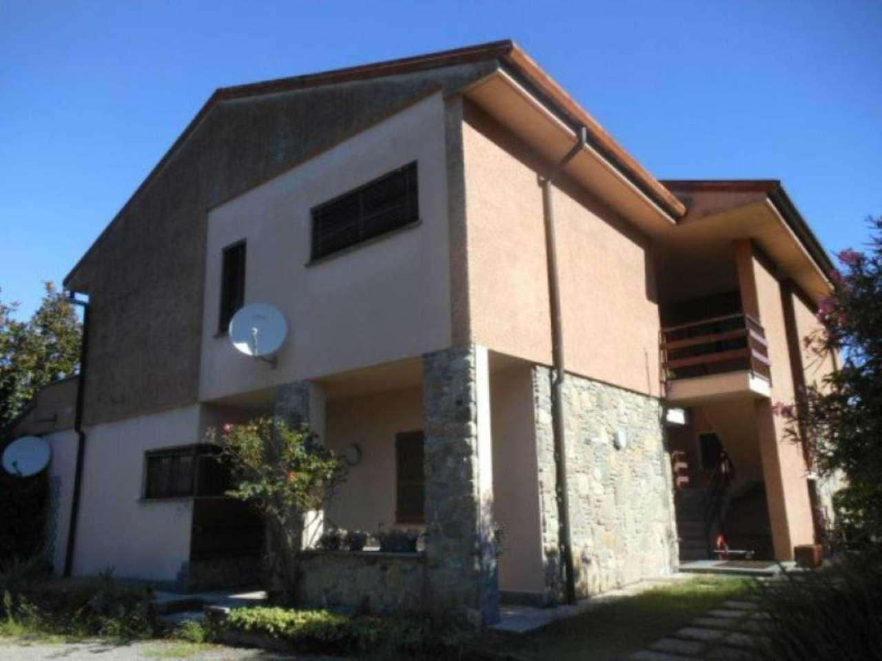 Appartamento in vendita a Porto Valtravaglia, 3 locali, prezzo € 120.000 | Cambio Casa.it
